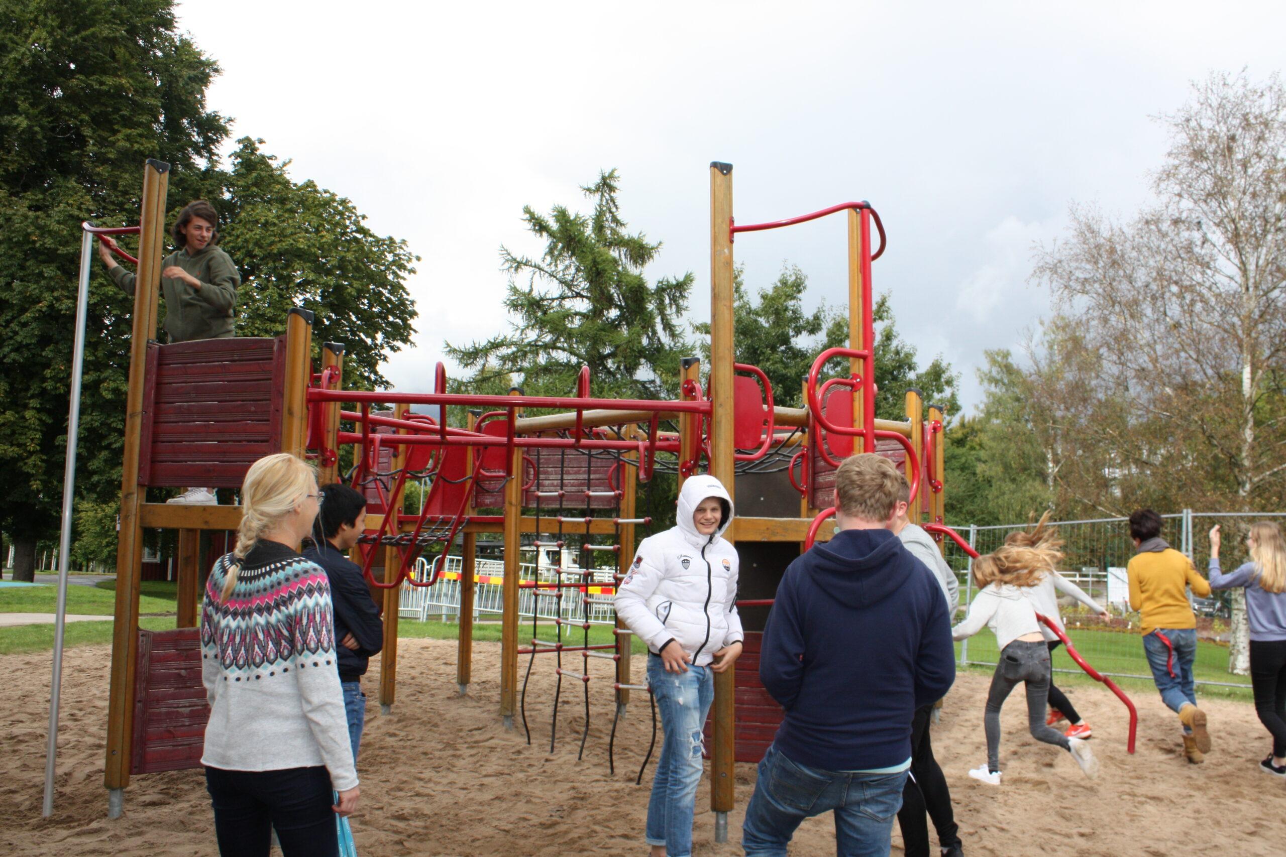 Luftning vid klätterställningen på T4 – skolan i Hässleholm